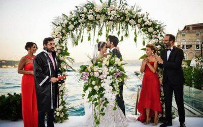 Fahriye Evcen és Burak Özçivit összeházasodtak!